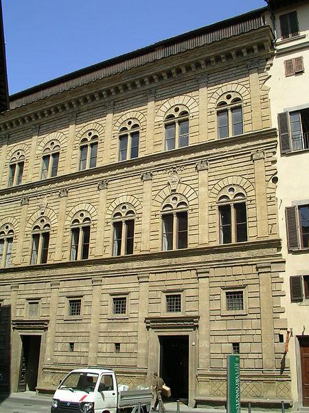 http://upload.wikimedia.org/wikipedia/commons/thumb/9/99/Palazzo_Rucellai.JPG/450px-Palazzo_Rucellai.JPG