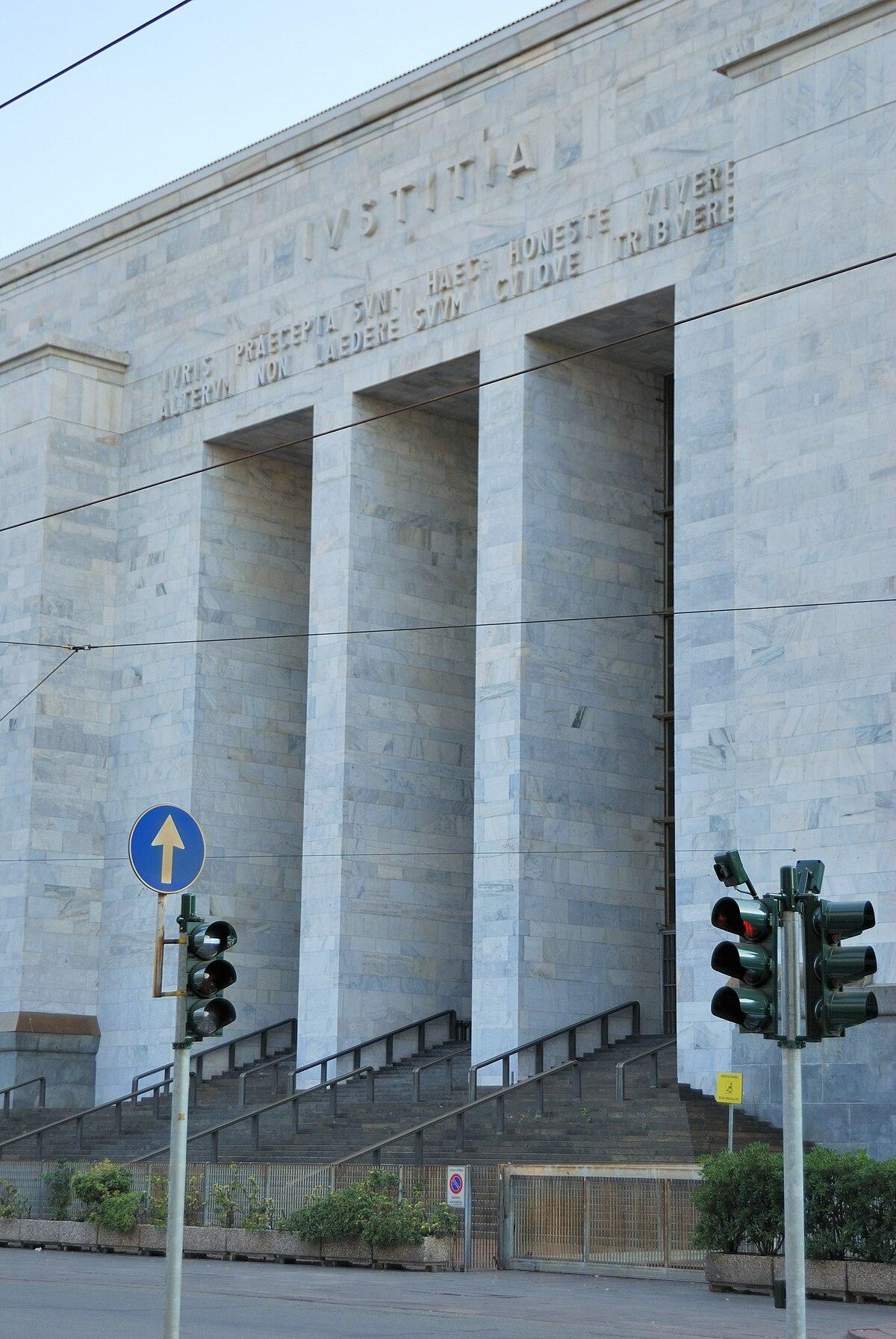 Palazzo di giustizia milano wikipedia for Esterno in latino