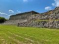 Pirámide de entrada a Zona Arqueológica de Xochicalco.jpg