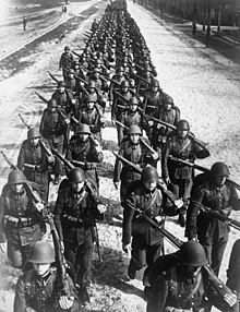 Polish infantry marching -2 1939.jpg