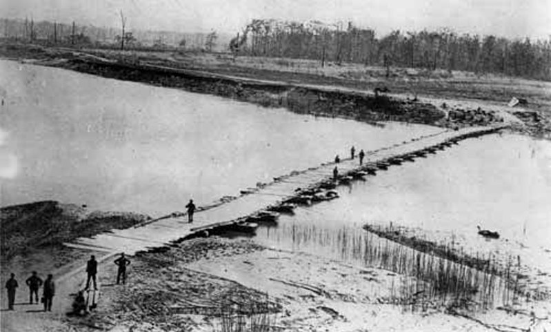 File:Pontoon-bridge-big-black-river-1863.jpg