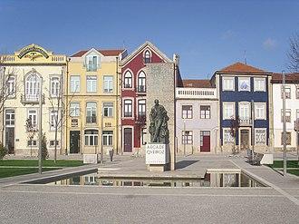 José Maria de Eça de Queirós - Statue of Eça in Póvoa de Varzim; a couple of metres from his birthplace