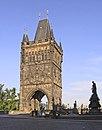 Prag karlsbrücke brückenturm altstadtseite.jpg