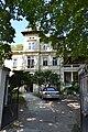 Praha, Dejvice, V Podbabě 20 vila čp. 2523.JPG