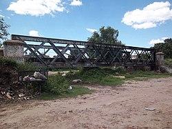 Puente del FCGB sobre antiguo arroyo en Ingeniero Budge (2).JPG