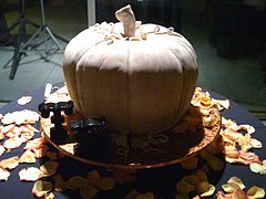 Pumpkin Wedding Cake for Halloween Wedding.jpg