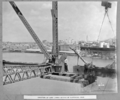 Queensland State Archives 4022 Erection of last lower chords of suspended span Brisbane 25 October 1939.png