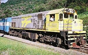 EMD G22 Series - Image: RFFSA 4392 6L in Ferrovia Curitiba Paranaguá