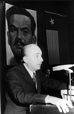 Raúl Fernández Longe at an assembly of the Radical Party of Chile - 1960s.jpg
