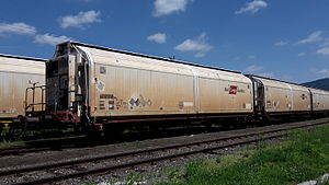 Rail Cargo Austria 42 81 247 5 023-6 Hbbills-u Niklasdorf.jpg
