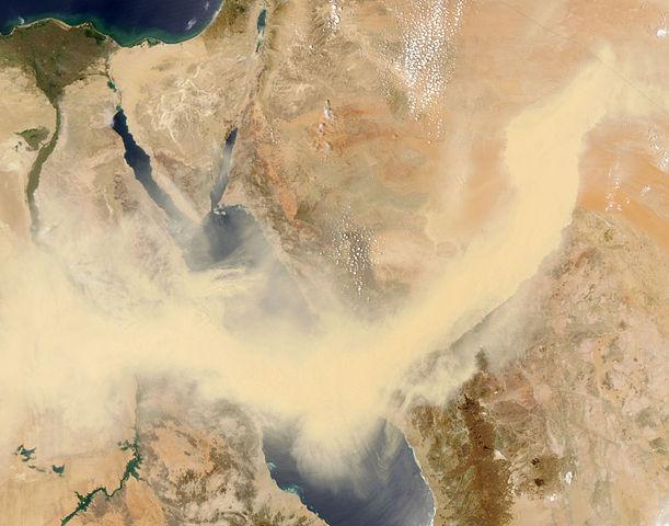 Satellitenfoto vom Sandsturm über das Rote Meer