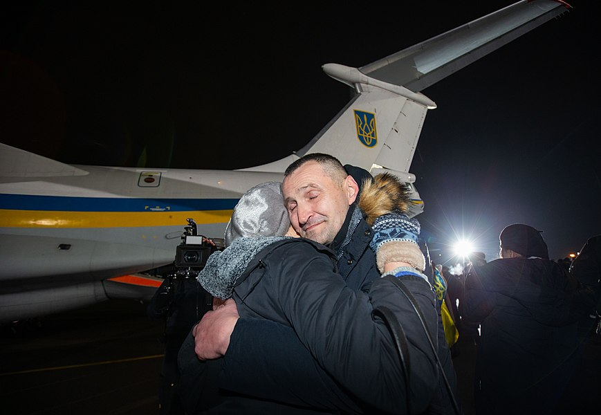 Return of liberated citizens to the territory controlled by Ukraine (2019-12-29) 025.jpg