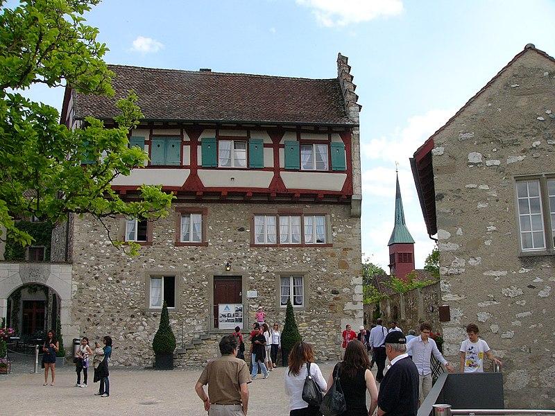 File:Rheinfall-schloss laufen07.jpg