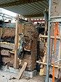 Rheinland-Pfälzisches FREILICHTMUSEUM Bad Sobernheim – Schwieriger Aufbau der Töpferei Mecking aus Bockenau - panoramio.jpg