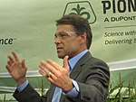 Rick Perry at Pioneer 018 (6310104315).jpg