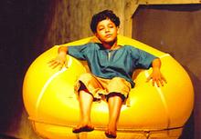 Riddhi Sen en la teatron Dakghar
