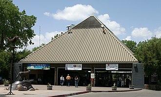 Rio Grande Zoo - Main entrance