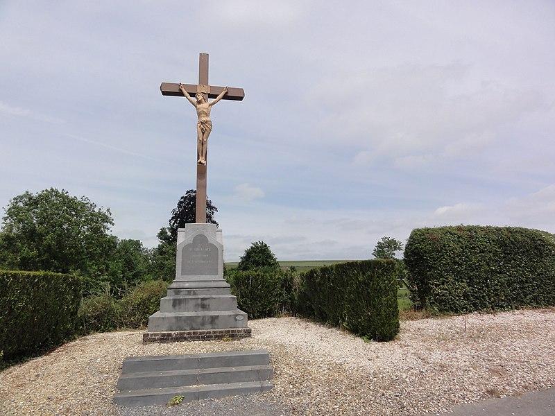 Rozoy-sur-Serre (Aisne) croix de chemin