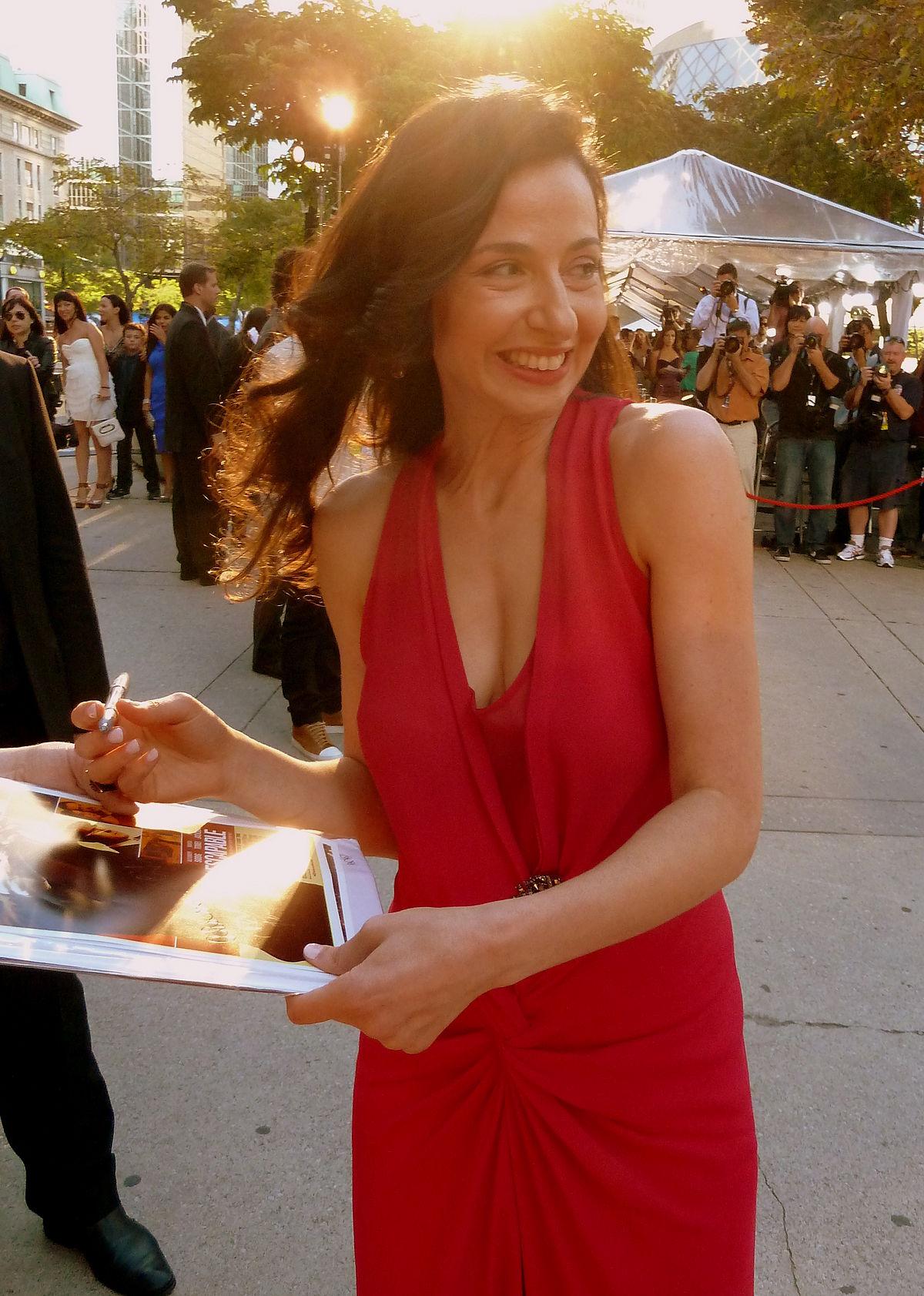 http://upload.wikimedia.org/wikipedia/commons/thumb/9/99/Ruba_Nadda_at_the_premiere_of_Inescapable%2C_Toronto_Film_Festival_2012_%281%29.jpg/1200px-Ruba_Nadda_at_the_premiere_of_Inescapable%2C_Toronto_Film_Festival_2012_%281%29.jpg