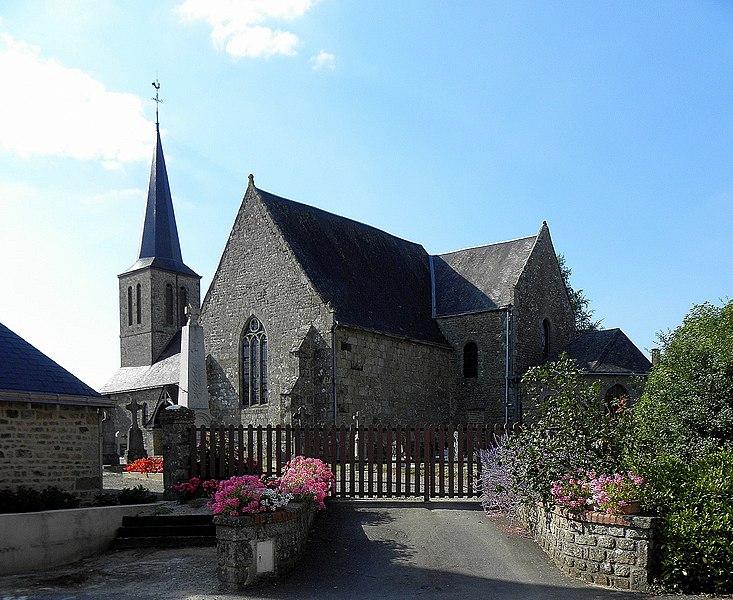 Église Saint-Berthevin de Saint-Berthevin-la-Tannière (53). Chevet et flanc sud.