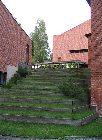 Critical regionalism - Alvar Aalto, Saynatsalo Town Hall (1952), Finland: the grass steps appeal to the tactile sense.