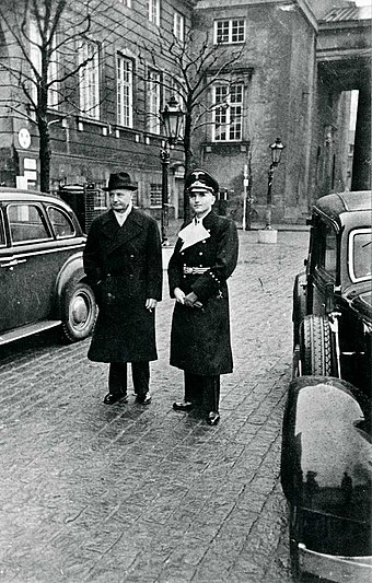 Erik Scavenius, Danish PM 1942-43 with Werner Best, the German plenipotentiary in Denmark. Scavenius og Best.jpg