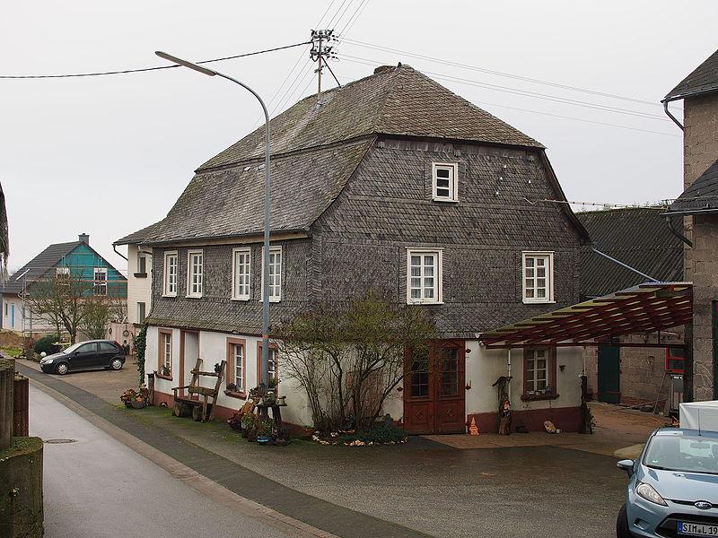 File:Schwerbach Hunsrücker Bauernhaus Dorfstraße 3.JPG