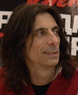 Scott Travis2005 (cropped).jpg
