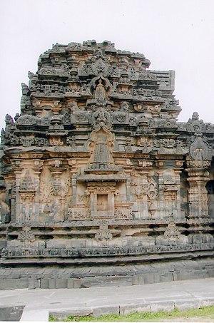 Kasivisvesvara Temple, Lakkundi - Shrine wall and superstructure in Kasivisvesvara temple