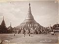 Shwe Dagone Pagoda, Rangoon in 1907.jpg
