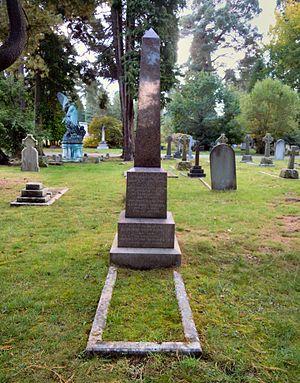 Francis Taylor Piggott - Piggott's grave in Brookwood Cemetery