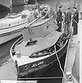Sleepboot uit elkaar geploft aan de binnenkant te Amsterdam de Jelgrie waarvan, Bestanddeelnr 917-6995.jpg