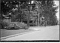 South-east corner Wells Hill Avenue and Nina Street (31268900663).jpg