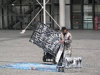 Speed painting - Image: Speed painting on Place Georges Pompidou 04