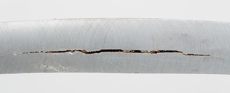 Datei:Steel-with-Hydrogen-Induced-Cracks-01.jpg