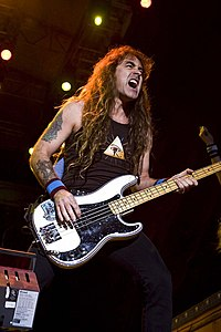 Steve Harris med Iron Maiden 2008