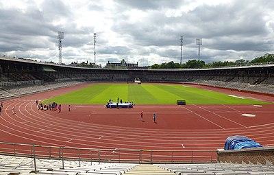 Stockholms stadion, dagens utseende, vy mot norr (vänster) och vy mot söder.
