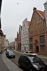 Stralsund, Fährstraße, Häuser (2012-03-11) 2, by Klugschnacker in Wikipedia.jpg