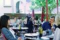 Sur la terrase d'un restaurant de Cairanne.jpg