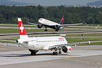 Swiss International Air Lines Airbus A320-214 HB-IJQ (29977760972).jpg