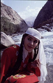TJKTajik woman in national dress.jpg