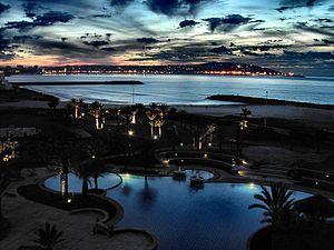 مدينة طنجة المغربية تعرف بها والصور عن المدينة 300px-Tangier_5184a.