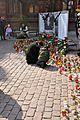 Temporary memorial to Lech Kaczyński, Toruń.jpg