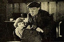La edzo de la Poppy Girl (1919) - 3.jpg