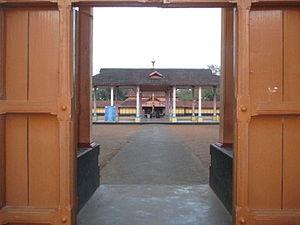 Thiruvanvandoor Mahavishnu Temple - View of the temple from the gateway tower