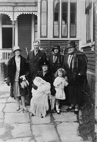 Tom Seddon - Tom Seddon with members of his family in circa 1929