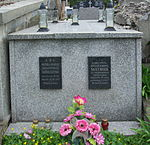 Tomb of Emil and Wiktoria Mathiasz at Central Cemetery in Sanok 2.jpg