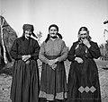 Tri zgovorne in poskočne 70- letne Čežaranke 1949.jpg