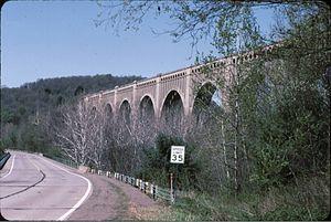 Sunbury Line - Image: Tunkhannock Viaduct from PA 11 1989
