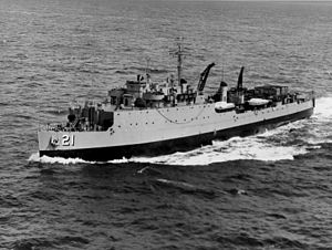 Fort Mandan (LSD-21) underway, date and place unknown.